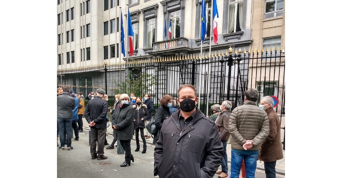 EI General Secretary David Edwards at the meeting in front of the French Embassy in Brussels on 18 October to pay tribute to Samuel Paty.