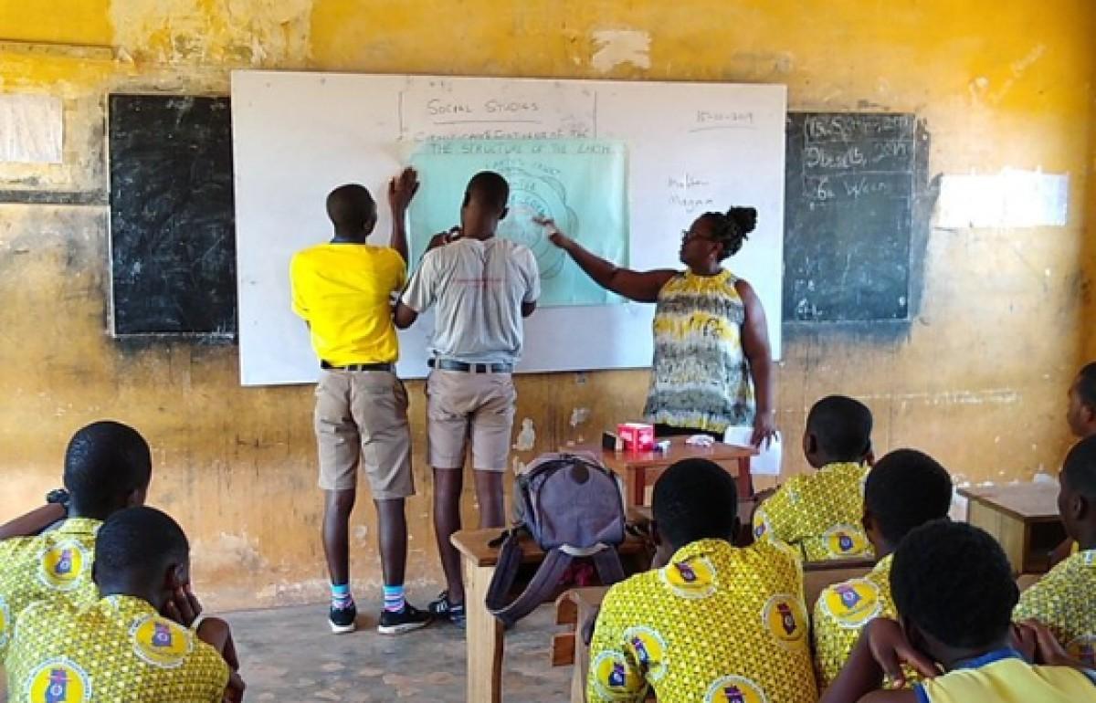 A school visit in Ghana, by Martin Henry (EI)