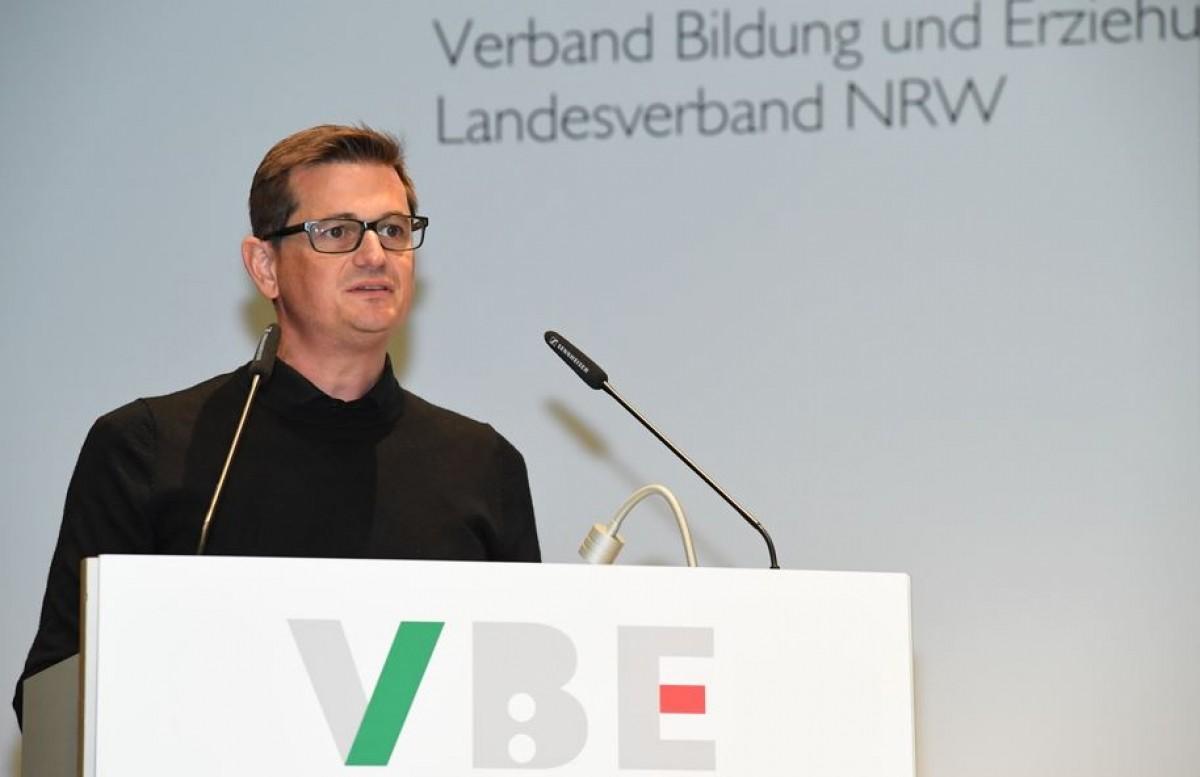 VBE-NRW President Stefan Belhau.