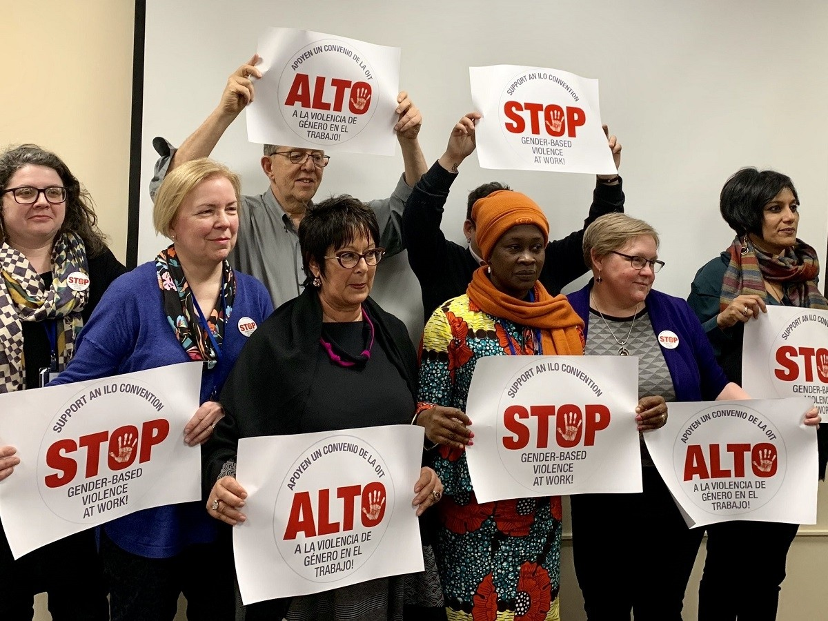 Women unionists at UNCSW63 supporting an ILO Convention on gender-based violence in the world of work.
