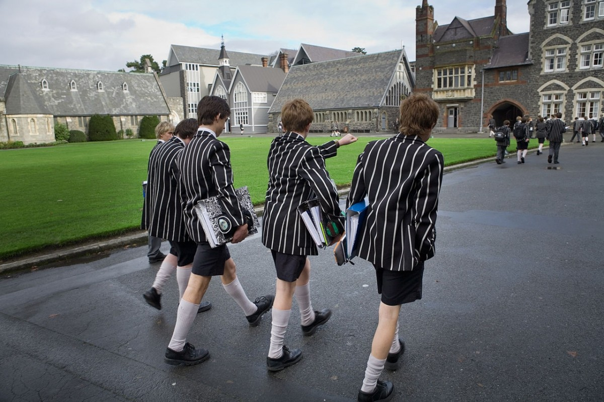 Going to school (Christ's College, Canterbury). Christchurch. New Zealand, 2006 Wikimedia Commons